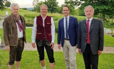 """Kettenwechsel"" beim Lions-Clubs Bayreuth-Kulmbach"